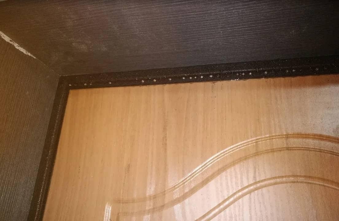 Как избавиться от конденсата на входной двери